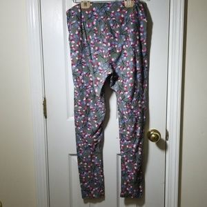 LuLaRoe Pants - Lularoe tall and curvy gray flower leggings